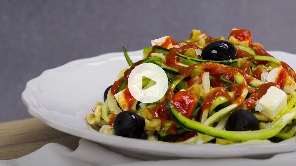 Primer plano de la receta de espagueti de calabacín alteza