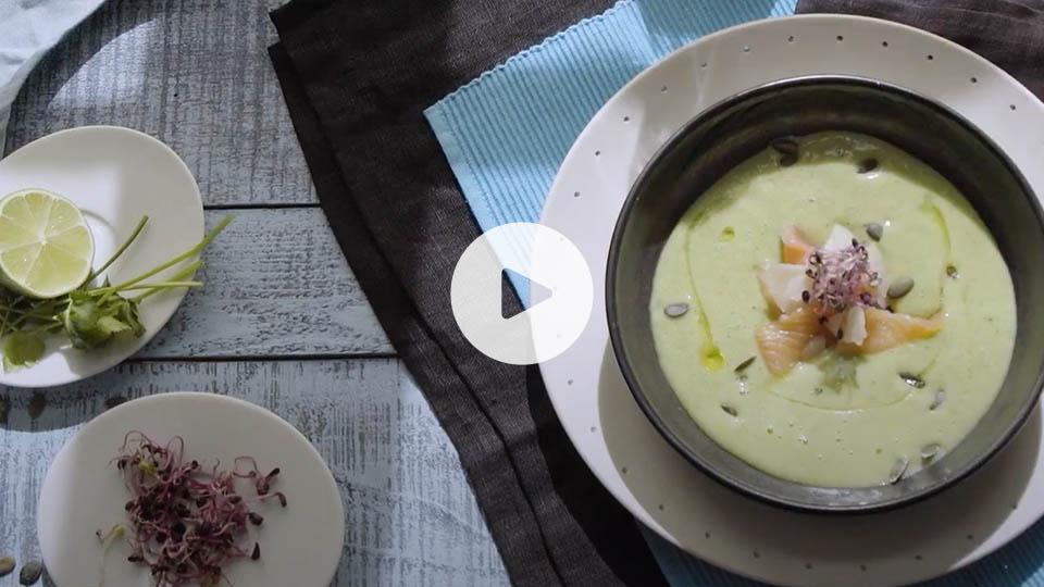Imagen de la receta alteza de sopa fría de aguacate