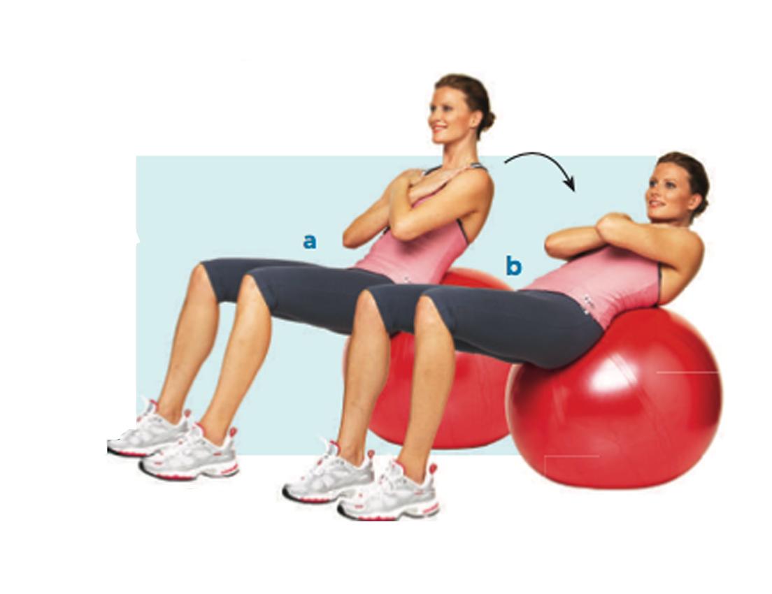Imagen de una mujer haciendo ejercicios sentada en una pelota de pilates
