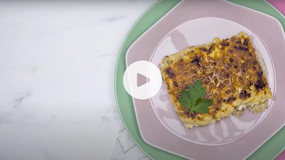 VIsta cenital de la receta alteza de canelones con marisco ya emplatada